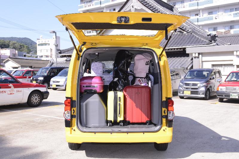 小型タクシー(ニッサンバネット)01