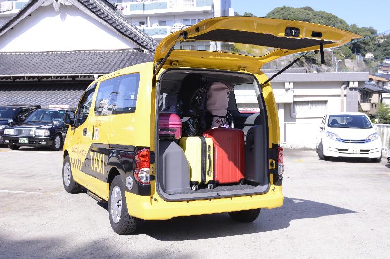 小型タクシー(ニッサンバネット)02